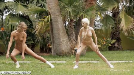 Молодые лесбиянки лижутся порно видео бесплатно