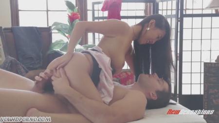 Трахнул гейшу порно видео