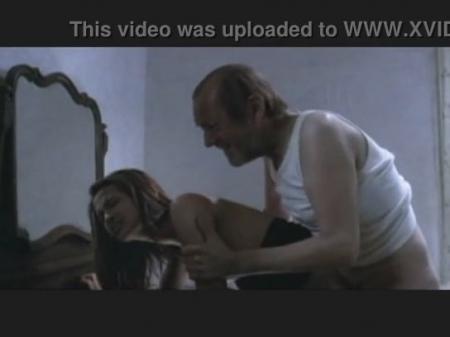 1588-otec-iznasiloval-doch@Отец изнасиловал свою дочь перед завтраком порно видео бесплатно