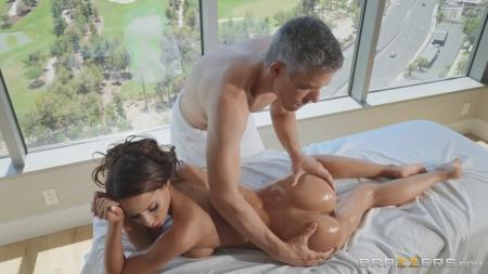 Массажист знает как доставить удовольствие порно видео бесплатно